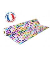 Papier cadeau blanc motifs carrés multicolores dès 24.99€
